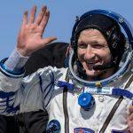 Los astronautas rusos y los astronautas de la NASA aterrizan después de visitar la Estación Espacial Internacional