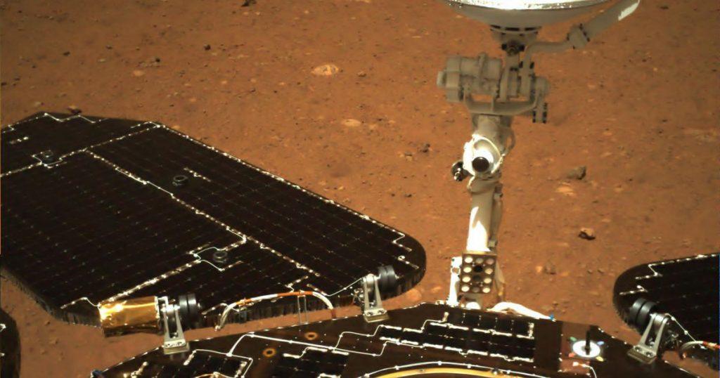 La nave espacial china de Marte Zhurong está enviando las primeras imágenes desde la superficie