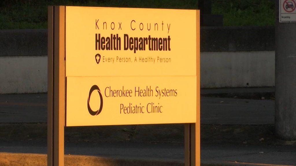 """""""Todavía no estamos fuera de peligro"""": Departamento de Salud.  El director dice que se proceda con cautela ya que la pandemia continúa."""