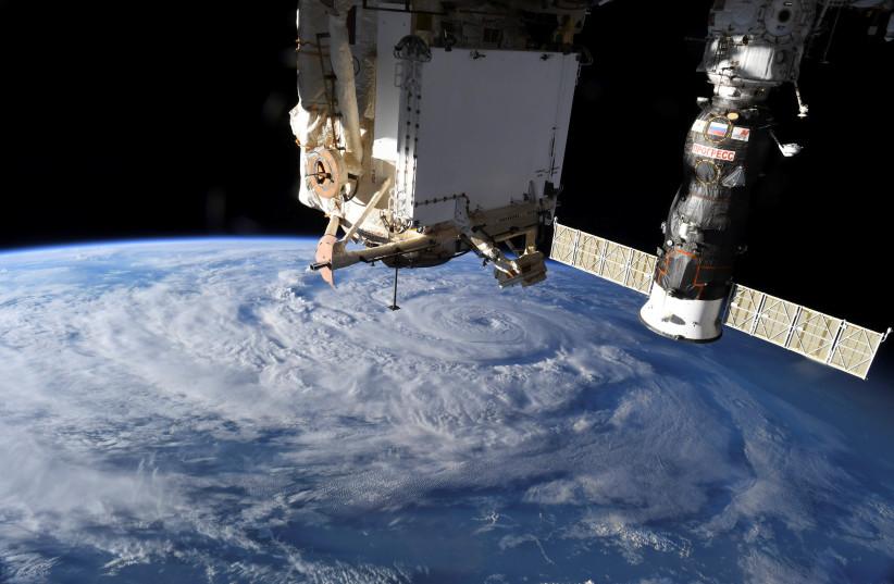 Control de la Estación Espacial Internacional debido a un error de la unidad rusa