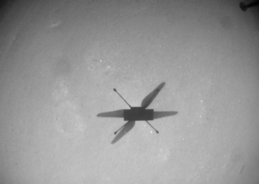 El helicóptero Marte de la NASA voló más de una milla en su décimo vuelo sobre el Planeta Rojo