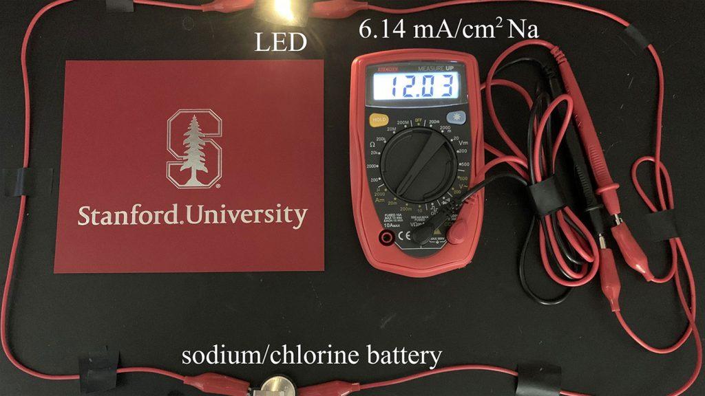 La batería de metal alcalino y de cloro de Stanford almacena hasta seis veces más energía