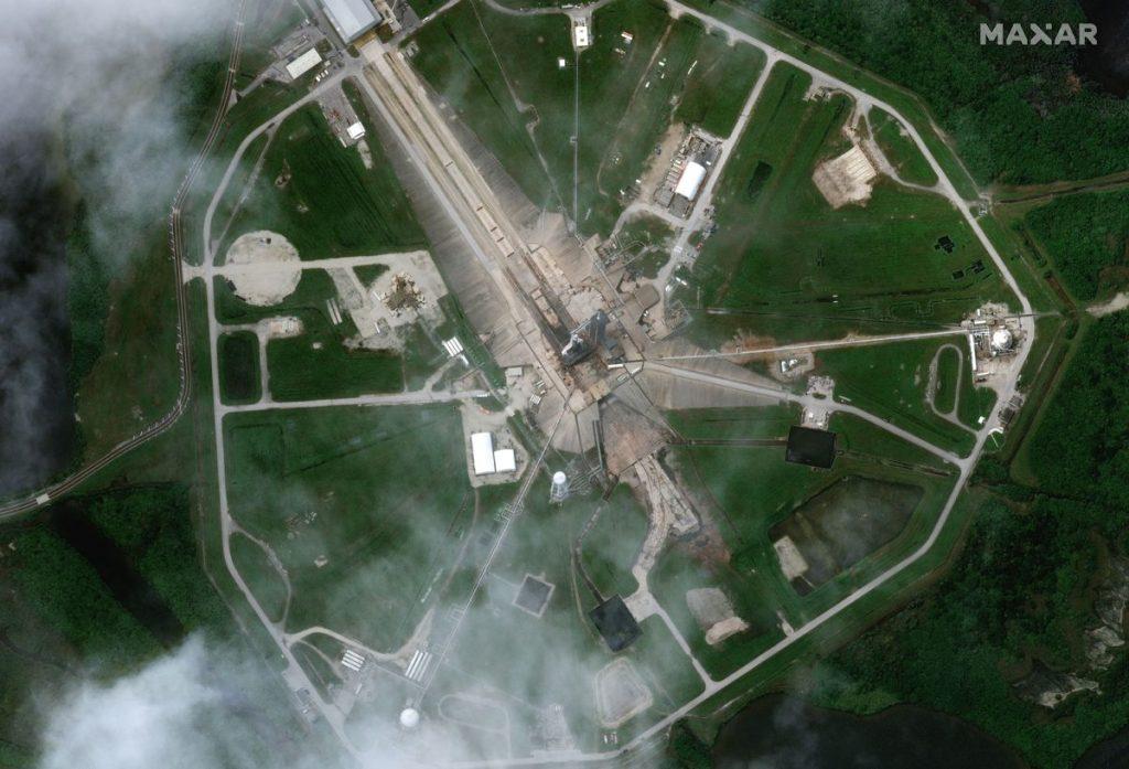 Los satélites detectaron el cohete SpaceX Falcon 9 y la nave espacial Dragon desde la órbita antes de lanzar la carga útil a la estación espacial (fotos)