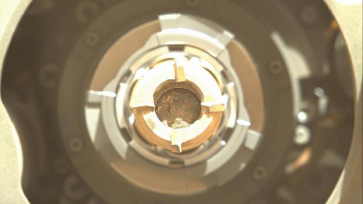 La NASA cree que la sonda de Marte logró tomar una muestra de roca
