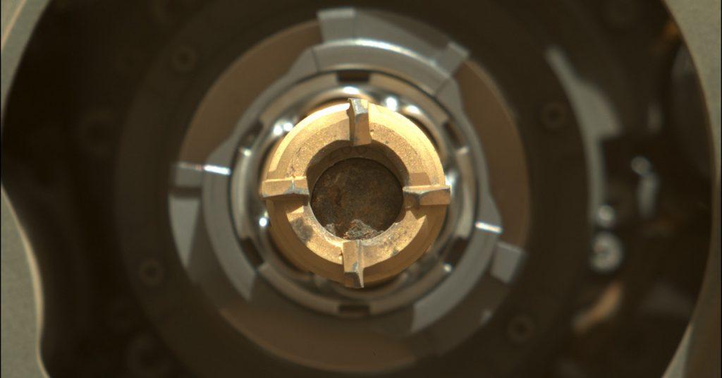 Finalmente, la sonda Perseverance de la NASA extrajo la primera muestra de roca de Marte