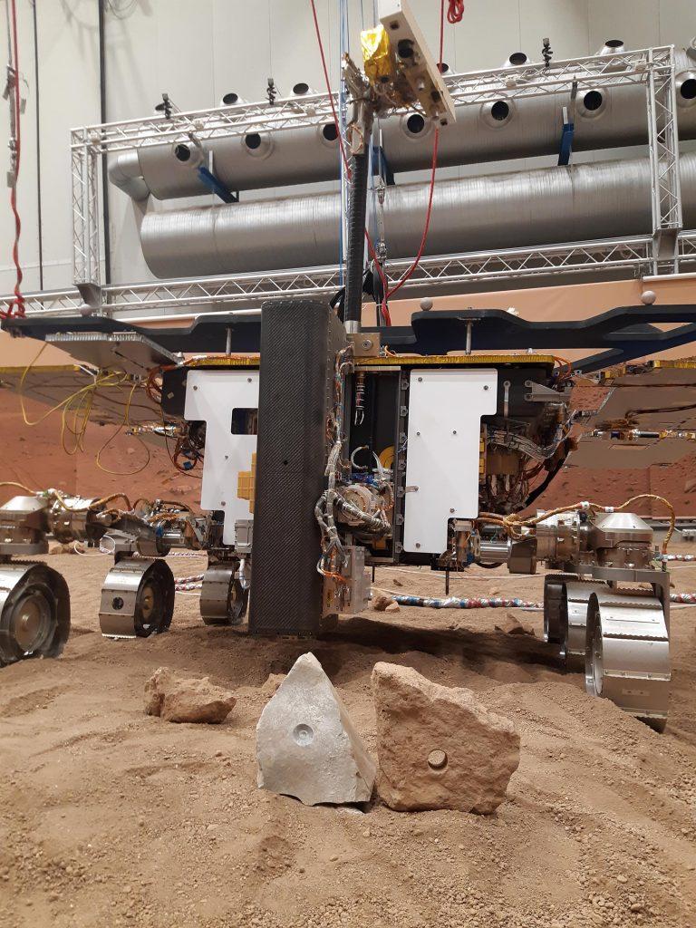 Rover gemelo de ExoMars y rocas de Marte